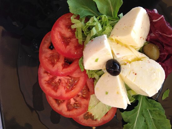 Restaurant Posat: Caprese Salad