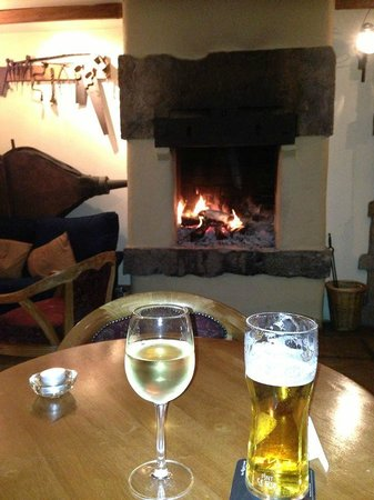 Clevery Mill Restaurant & Guest House: Open Fire