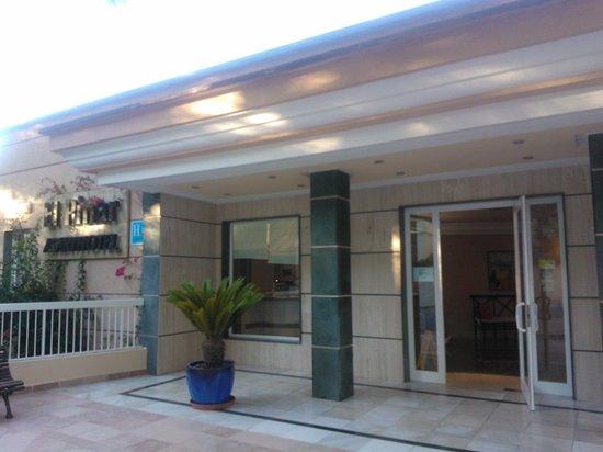 El Pinar Aparthotel: Reception