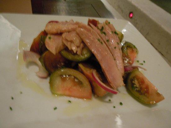 Arsenio Manila: Tomato salad with tuna