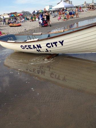 Ocean City Boardwalk: Lifegaurd Boat