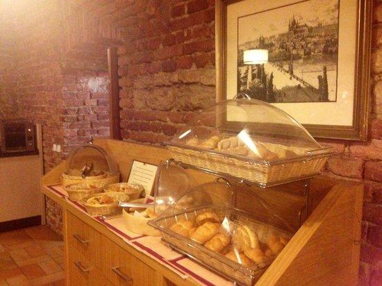 Hotel Praga 1 : Un angolo della sala colazione