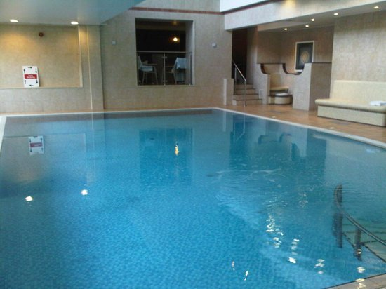 Best Western Premier East Midlands Airport Yew Lodge Hotel: pool