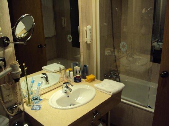 Tryp Jerez Hotel: Cuarto de baño