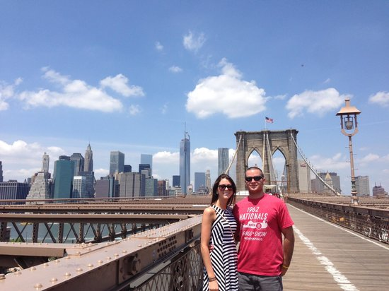 Brooklyn Bridge: View of the bridge and Tower One
