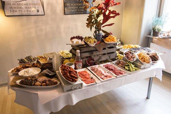 Hos Trine og Christian: Brunch buffet