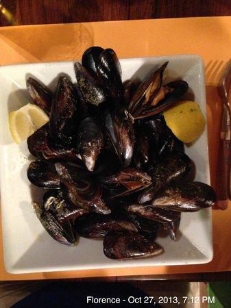 Mi Amor: Mussel soup