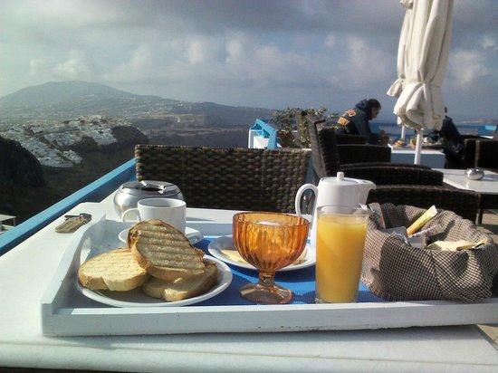 Nefeli Homes: Завтрак, вид с терассы