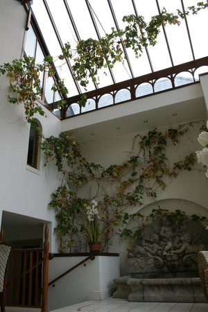 Cahernane House: Gorgeous atrium