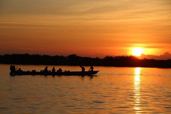 Siona Lodge: Sonnenuntergang bei der Lagune