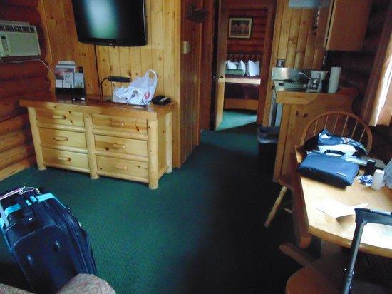 Cowboy Village Resort : Cabin interior
