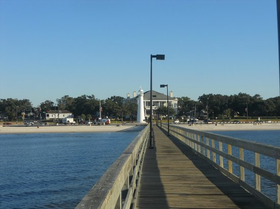 Biloxi Visitors Center: pier lighthouse and visitors center in background