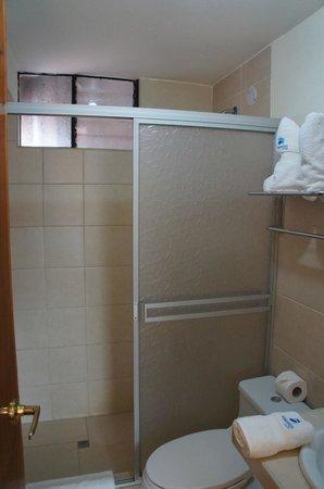 Hotel Unumizu Cusco : salle de bains