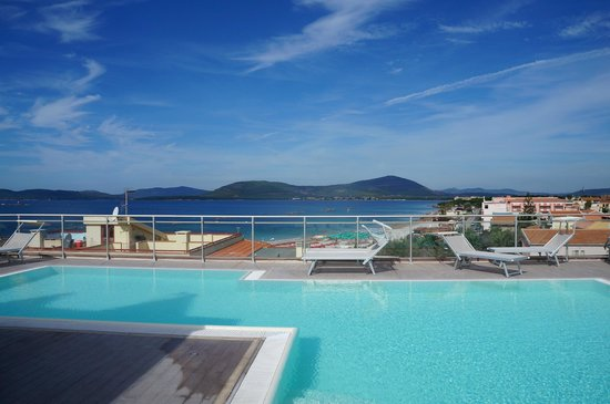 Alma di Alghero Hotel: Amazing pool with a view!