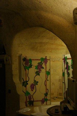 Oyku Evi Cave Hotel: Odamızdaki jakuzi