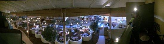 Holiday Inn Mansfield-Foxboro Area: Main indoor area