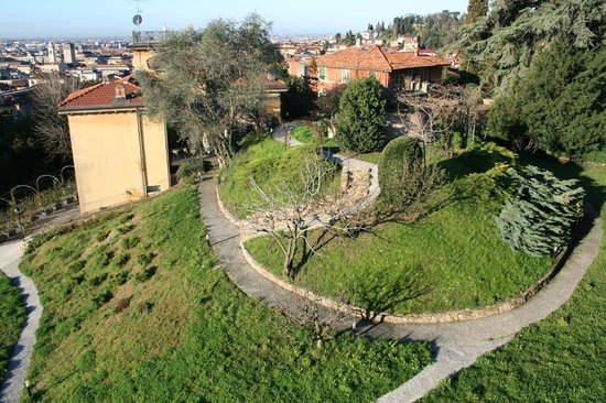 Villa Rina: garden view