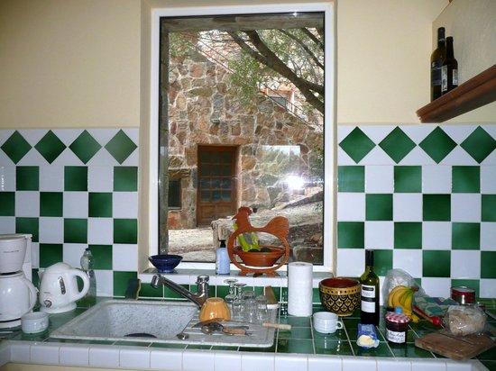 Littariccia : Kitchen window
