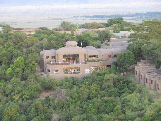 Mara Serena Safari Lodge: The lodge from the hot air balloon
