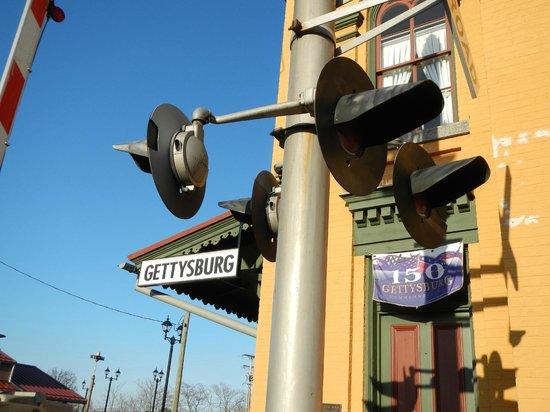 Gettysburg Railroad Station Museum: Railroad Crossing