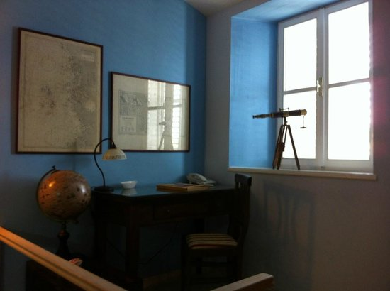 Coin bureau en mezzanine de la captain suite picture of mare