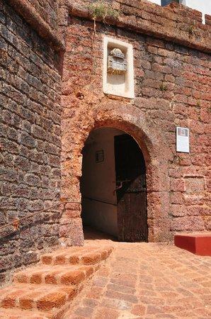 Reis Magos Fort: вход