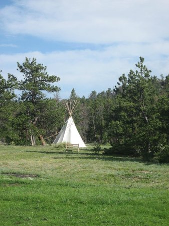 Sundance Trail Guest & Dude Ranch: Sleepover teepee