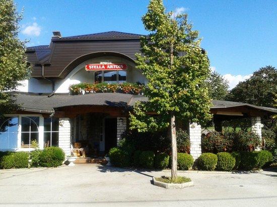 Restoran-Pansion Plitvicka Sedra: Entrada al restaurante