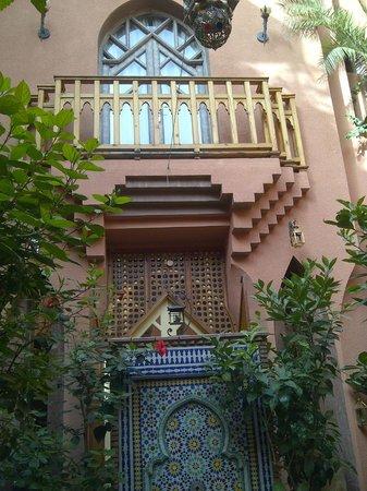 Riad Amira Victoria: Vom Innenhof auf unser Zimmer