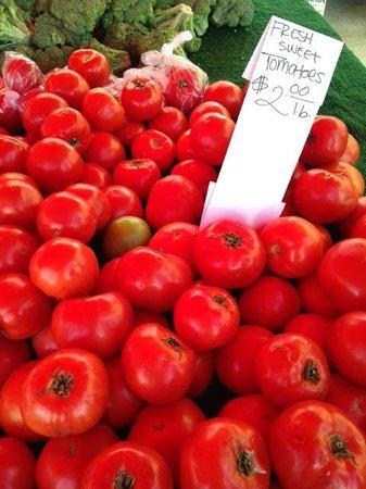 Studio City Farmers Market: Tomatoes at farmer's market