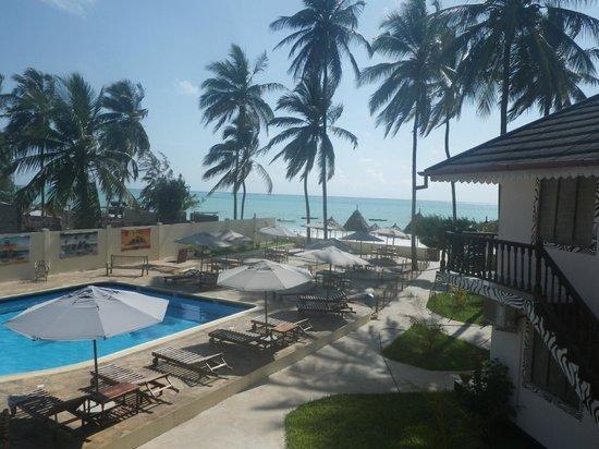 Kitete Beach Bungalows: Vue de la chambre