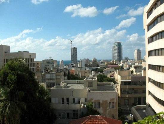 Brown TLV Urban Hotel: Roof Deck