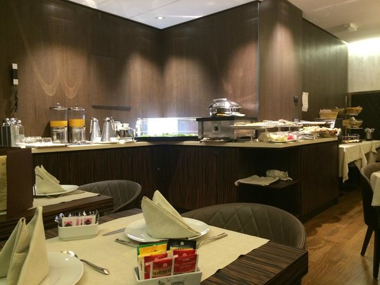 Berg Luxury Hotel: Buffet du petit déjeuner
