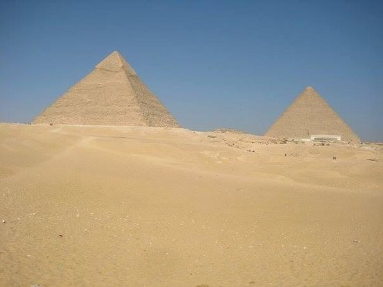 Moustafa Egypt Tours: The pyramids :)