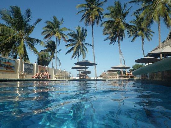 Kitete Beach Bungalows : piscine