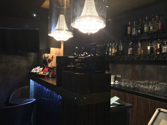 Berg Luxury Hotel: Bar de l'hôtel