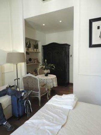 B&B La Dimora degli Angeli: room towards door