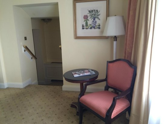 The Shelbourne Dublin, A Renaissance Hotel: Room 770