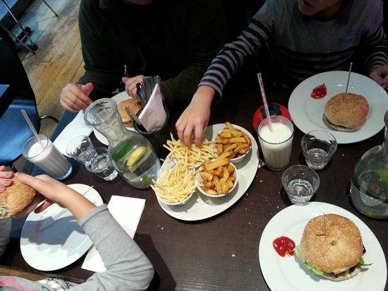 The Gourmet Burger Company - Brunswick: Burger frites Gbk