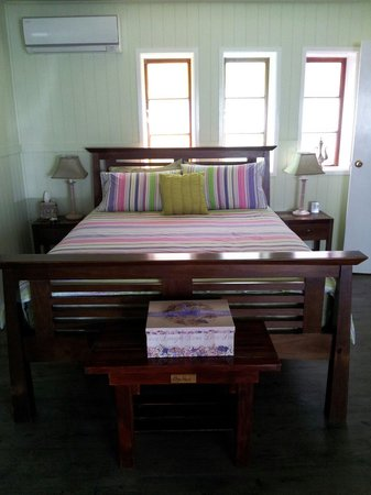 First Avenue B&B: Comfy bed