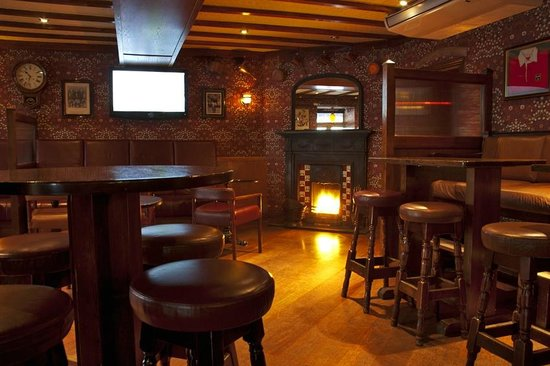 Jerry Flannerys Bar Catherine Street: The Lounge