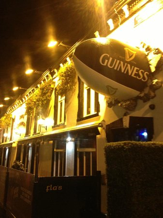 Jerry Flannerys Bar Catherine Street: Rugby ball