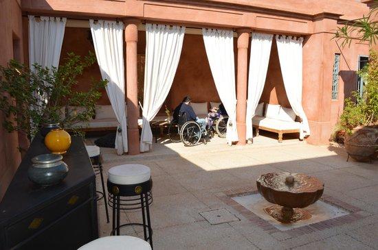 Villa d'Akhdar : C'est juste l'entrée de la villa