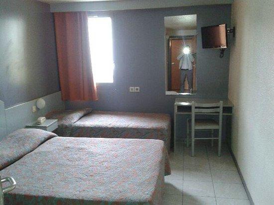 arim hotel bobigny france voir les tarifs et avis