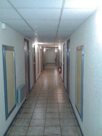 Arim Hotel : couloir