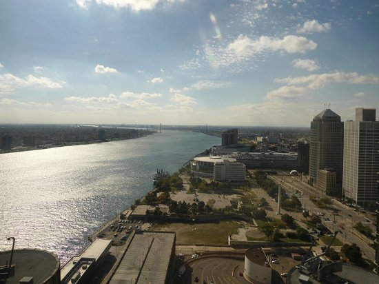 Detroit Marriott at the Renaissance Center: River view from 38th floor