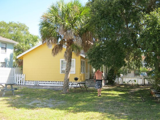 Sunshine Cozy Cottages: Cottage # 12
