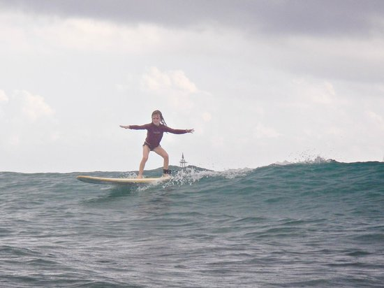 Hook up Surfing : My daughter who turned 8 3 days before lessons!