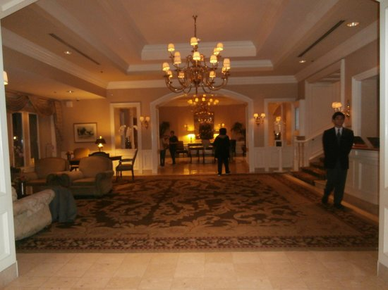 Sutton Place Hotel Vancouver: Main Lobby