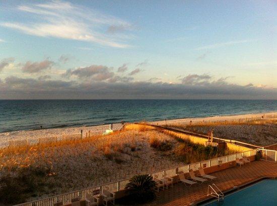 Islander Beach Resort: Morning sunrise